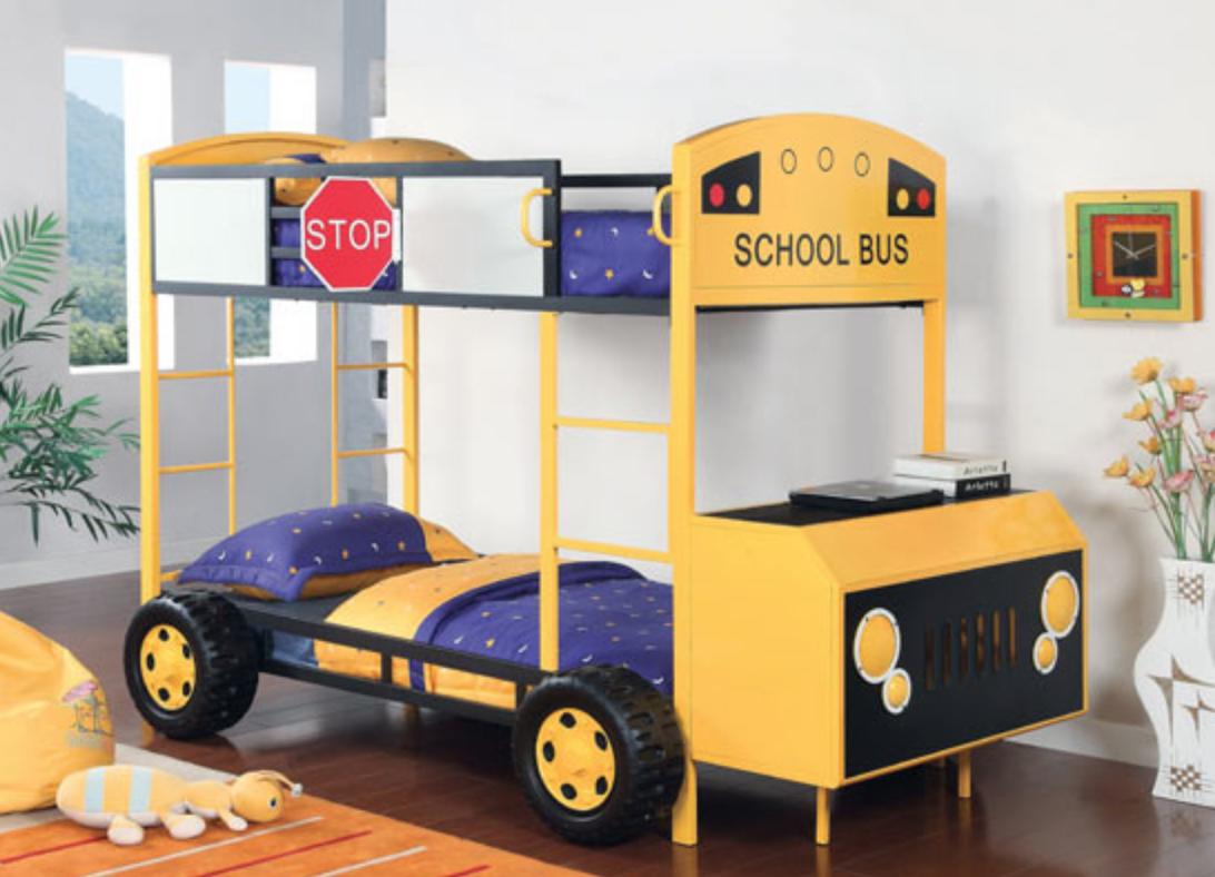 Giường tầng cho bé trai thiết kế hình xe buýt